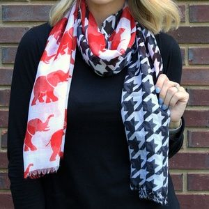 NWT *BOUTIQUE*   ELEPHANT &  HOUNDSTOOTH SCARF